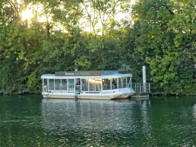 Hennessy tasting tour boat trip on the river Charente