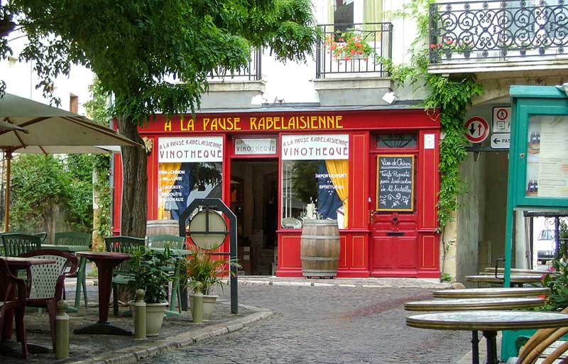 Smal restaurant in a shady square in Chinon, Loire Valley, perfect for relaxing days