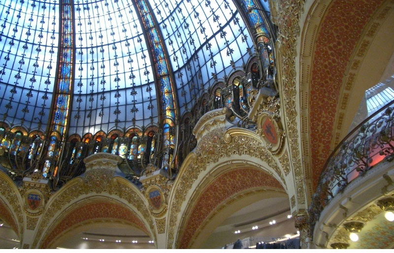 Glass dome with coloured stained glass