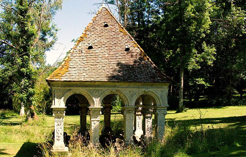 Fountain inside a tiny stone built hut