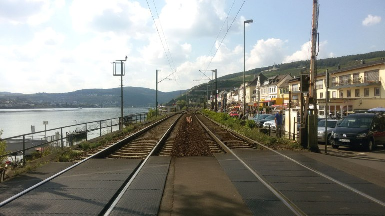 Ruedesheim railway crossingA road trip through Germany, and other ways to pass the time (Part 3): the Rhine valley