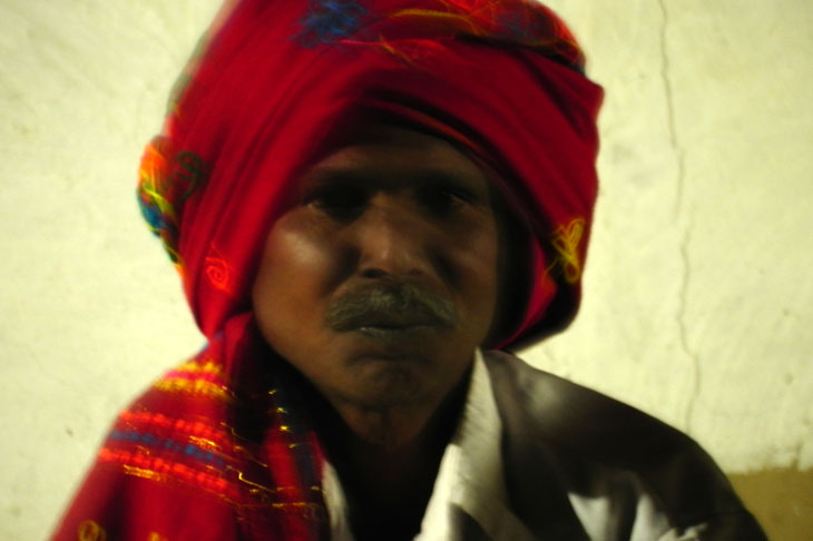 Gujarat_Dhordo_NightSinger - The colours of Kutch