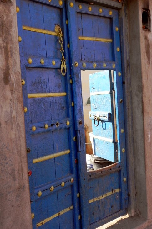 Gujarat_HiralakshmiCraftPark_Door - The colours of Kutch