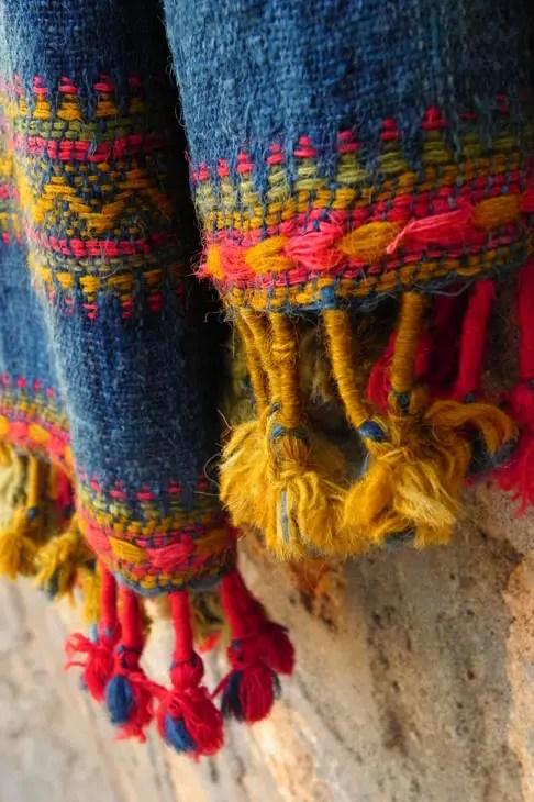 Gujarat_HiralakshmiCraftPark_Shawl - The colours of Kutch