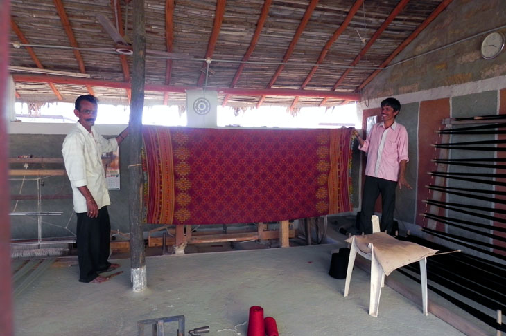 Gujarat_HiralakshmiCraftPark_Weavers - The colours of Kutch