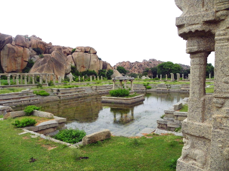 Hampi_AchyutarayaTemple_PublicBath - Magical sights of Hampi