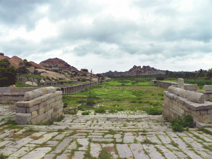 Hampi_AlongTheRoad_Forgotten - Magical sights of Hampi