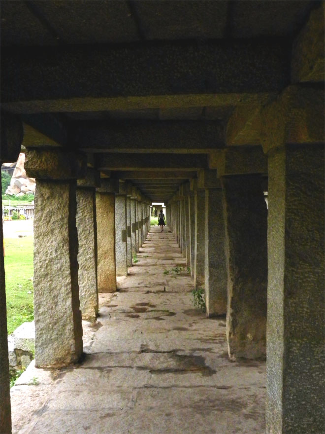Hampi_OldBazaar_Colonnade - Magical sights of Hampi