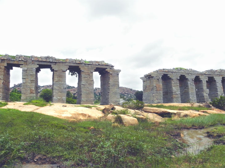Hampi_OtherSide_Aqueduct - Magical sights of Hampi