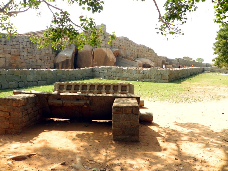 Hampi_PalaceComplex_StoneGates - Magical sights of Hampi