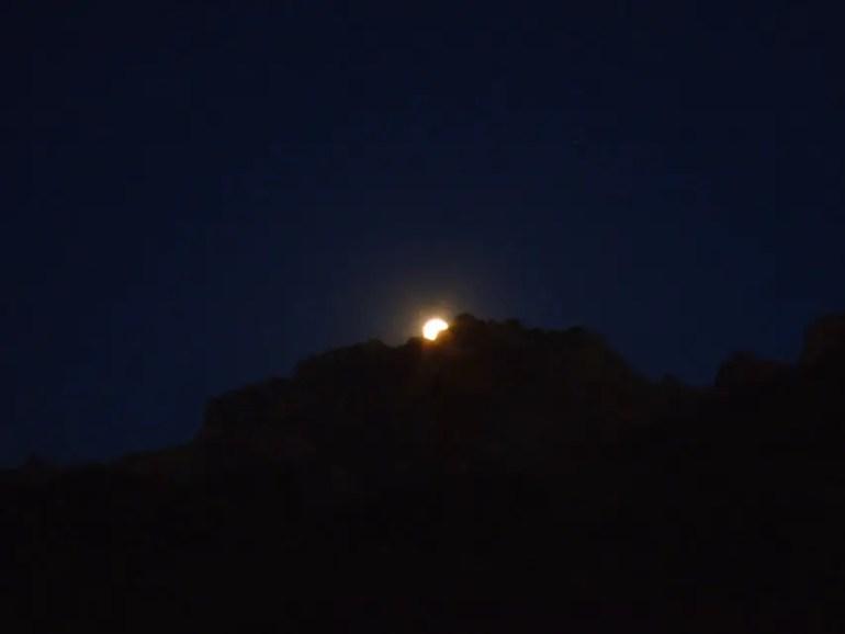 Leh - Mulbek moonrise 1 - Eight things we learned in Ladakh