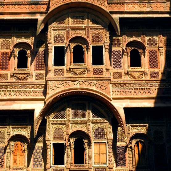 Jodhpur - Mahrangarh filigree windows 2
