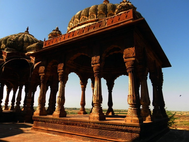 Tombs mausoleums on Pokhran-Jaisalmer highway - top 10 posts