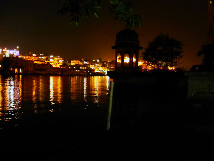 Udaipur - Lake at night - Eight great reasons why you should visit Rajasthan, 'land of kings'