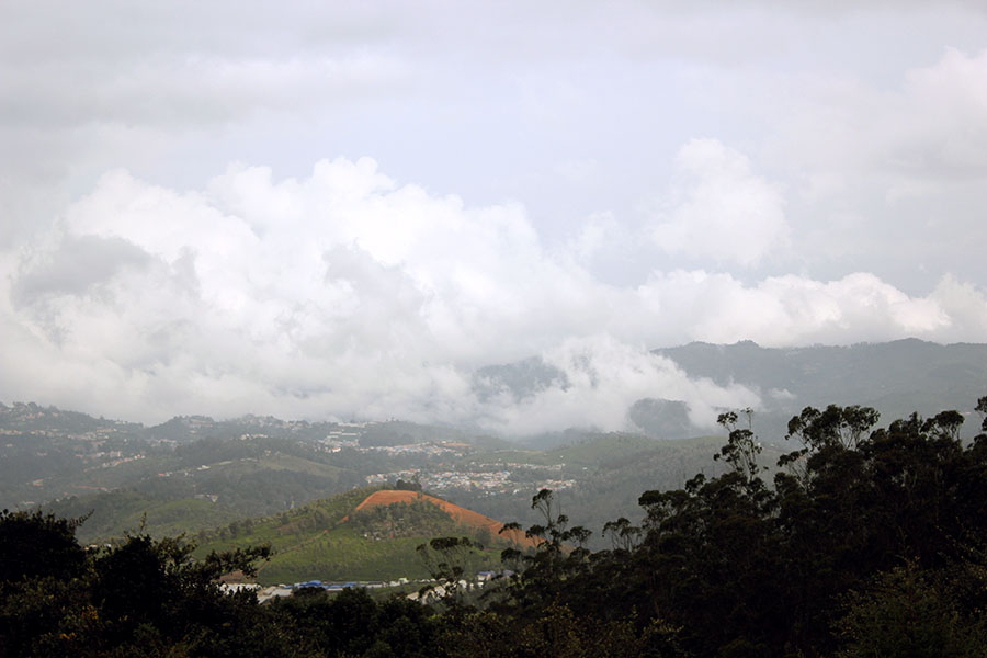 Coonoor - View from Doddabetta peak.JPG