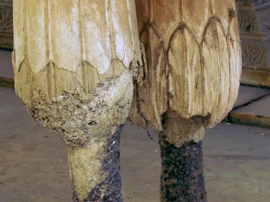 Paigah Tombs - Crumbling columns.jpg