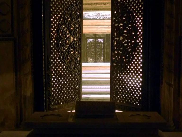 Paigah Tombs - Lattice door 2