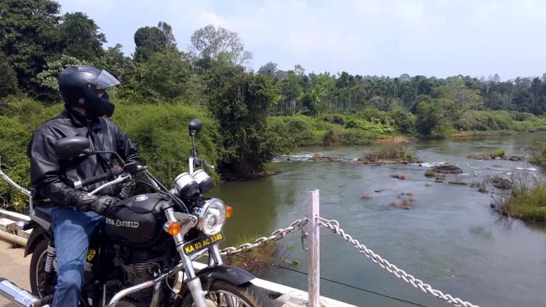 Coorg - Bike river bridge