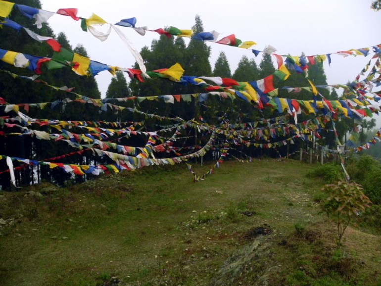 Kalimpong -Prayer flags on Deolo
