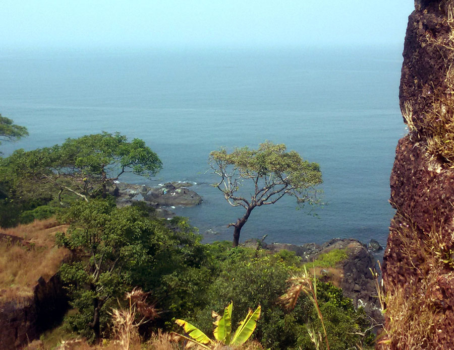 Agonda - Cabo de Rama - Rampart view 1 - perfect base for a Goa trip
