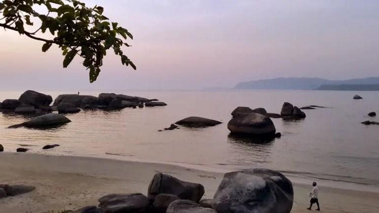 Granite rocks on the beach at Agonda, Goa, India - perfect base for a Goa trip