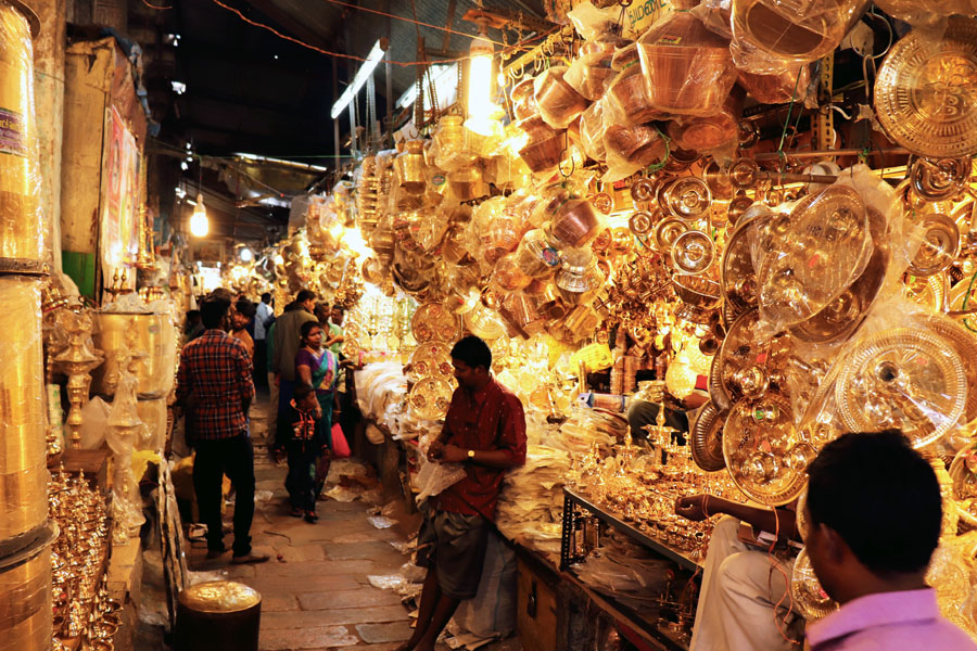 Madurai - Pudumandapa brass shops - Temples of Madurai and Thanjavur