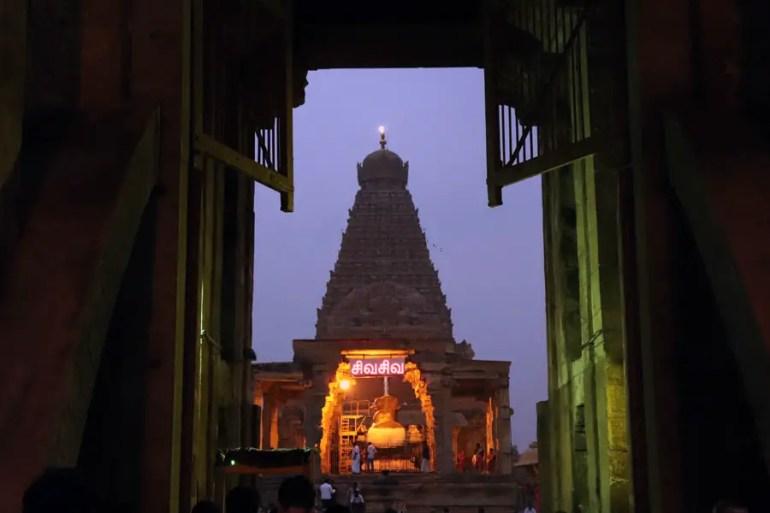 Thanjavur - Vimana and Nandi - Temples of Madurai and Thanjavur