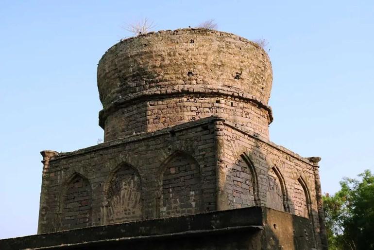 unfinished tomb of mirza nizamuddin ahmed, qutb shahi tombs, hyderabad, india