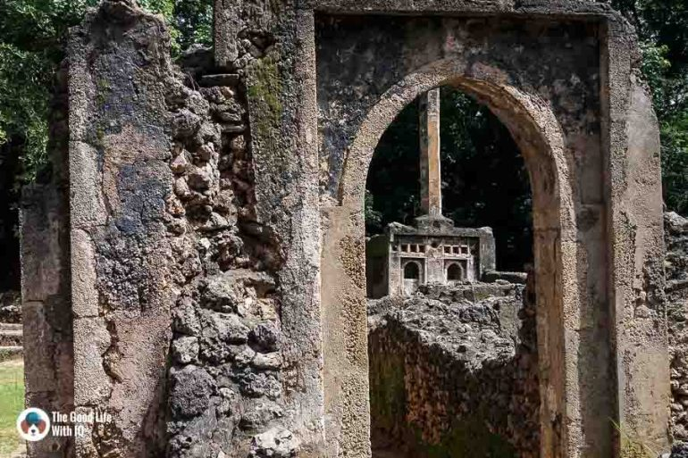Pillar tomb - Gedi ruins, Malindi