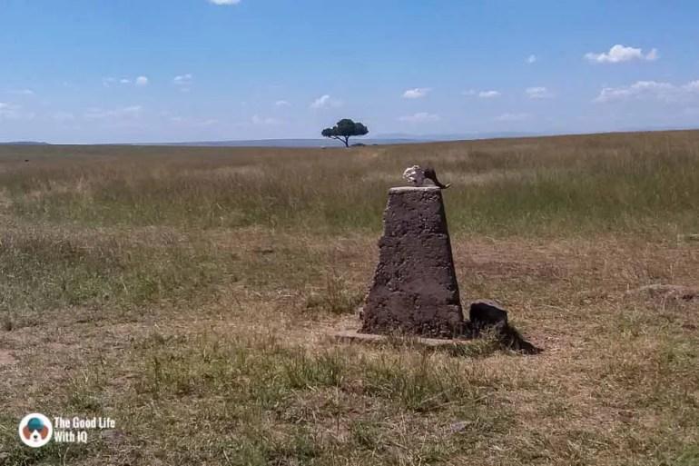 Kenya safari - Masai Mara - Border marker