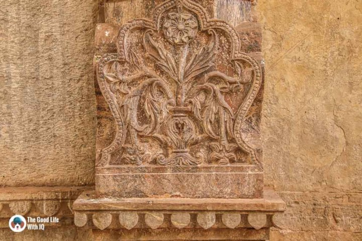 Pillar carving, Raniji ki Baodi, Bundi