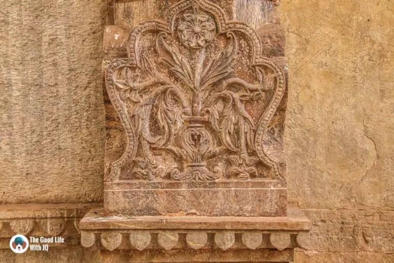 Pillar carving, Raniji ki Baodi, Bundi