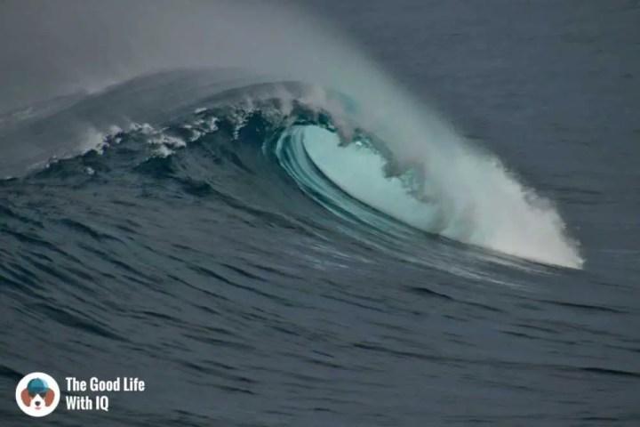 Wave off Secret Point, Ceningan, Bali