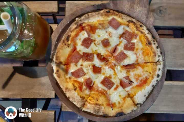 Zza Bar's Veg ham pizza - Among the best pizzas in Hyderabad
