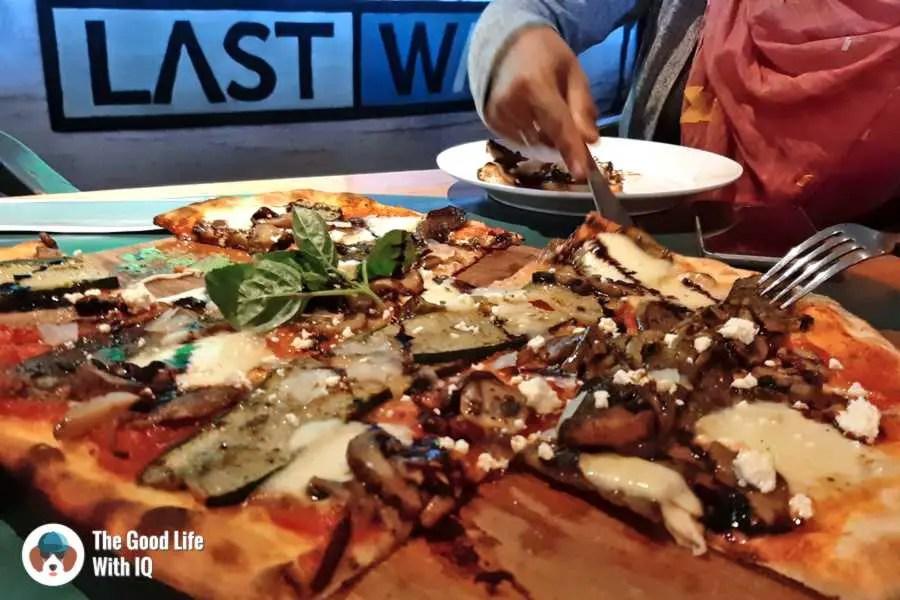 Pizza, Bali airport