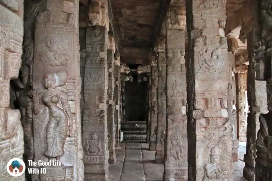 Carved pillars - Day trip to Lepakshi