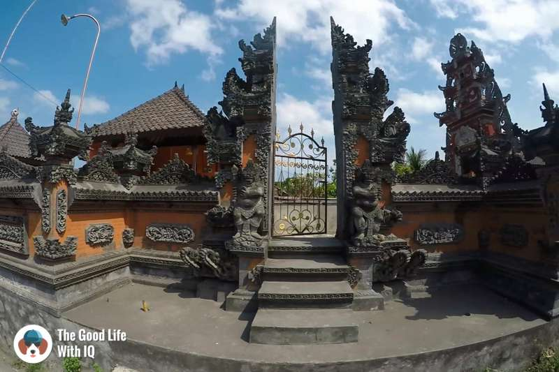 Temple gate, Nusa Lembongan, Best places to stay in Bali