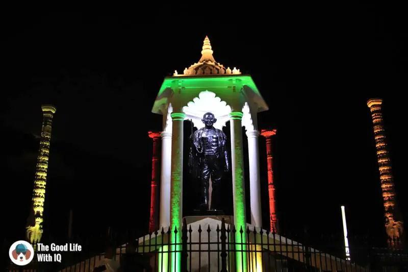 Mahatma Gandhi statue - Pondicherry promenade