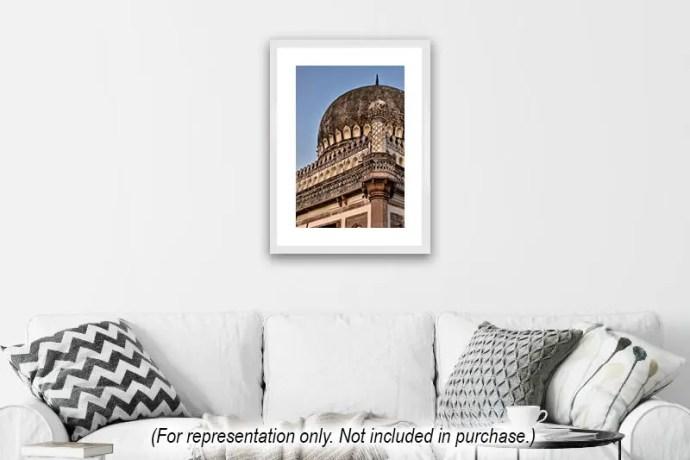 Vertical image of Mohammad Quli Qutb Shah's tomb in Hyderabad (representation)