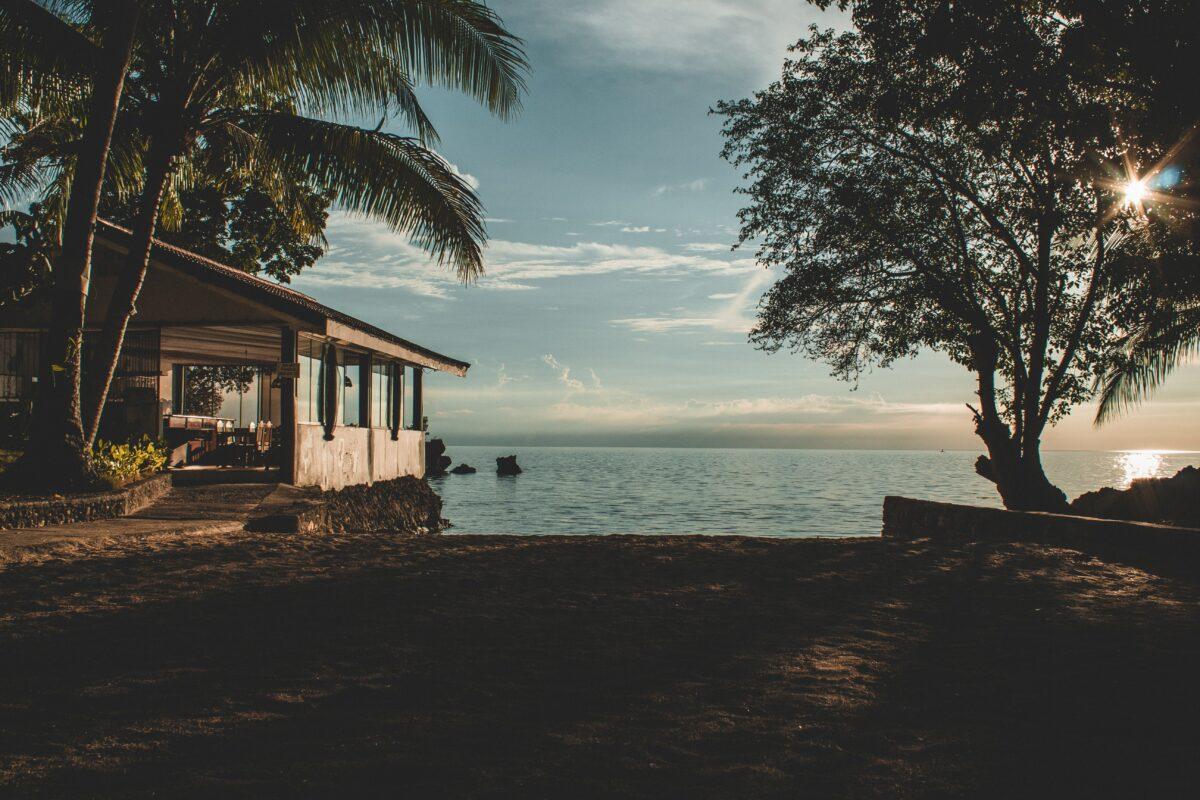 lake house vs beach house reddit