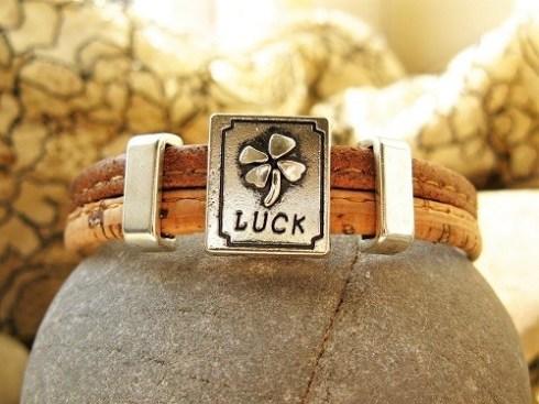 Lucky clover charm bracelet - cork