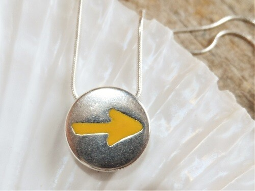 Good luck necklace Camino yellow arrow symbol