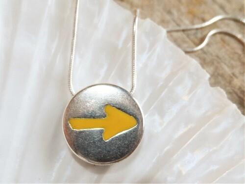 Good luck necklace Camino yellow arrow symbol
