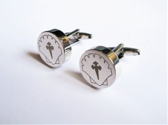 Cufflinks to remind wearer to Keep Safe