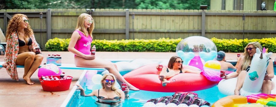 Secrets for Hosting the Best Pool Party