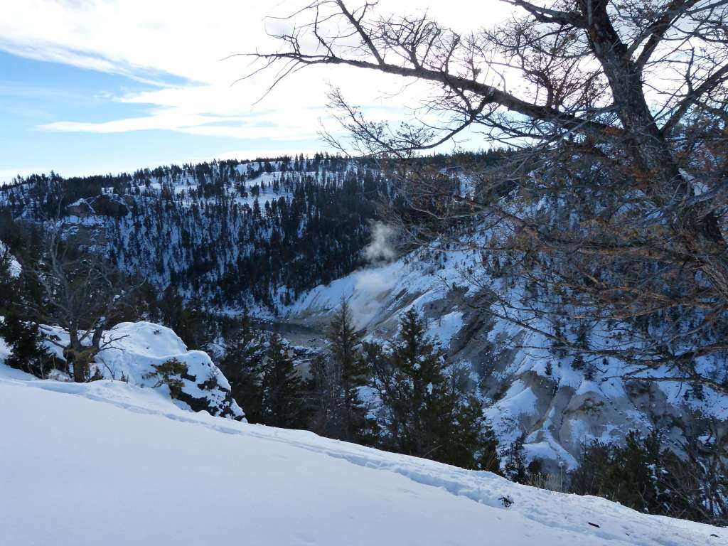 winter yellowstone river picnic area hike