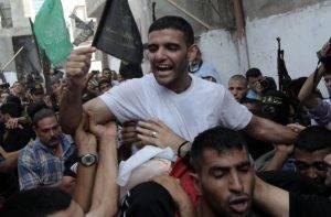 Mahmoud Sarsak celebrating his release from jail.