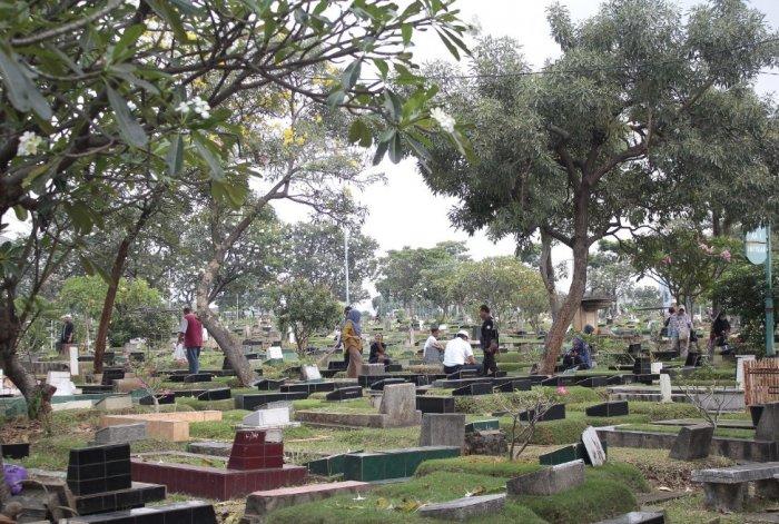 Cerita Horor Di Kuburan Sebalak