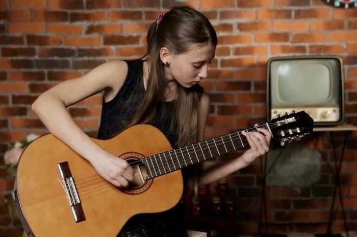 Tips Mudah Belajar Gitar Dari Nol