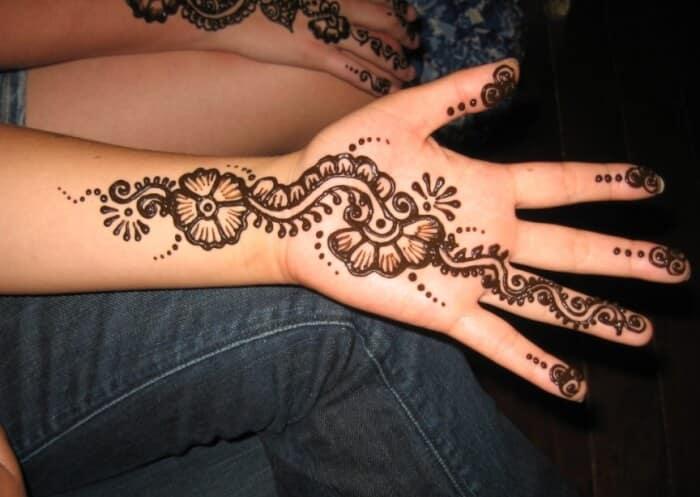 Contoh Henna Telapak Tangan Simple